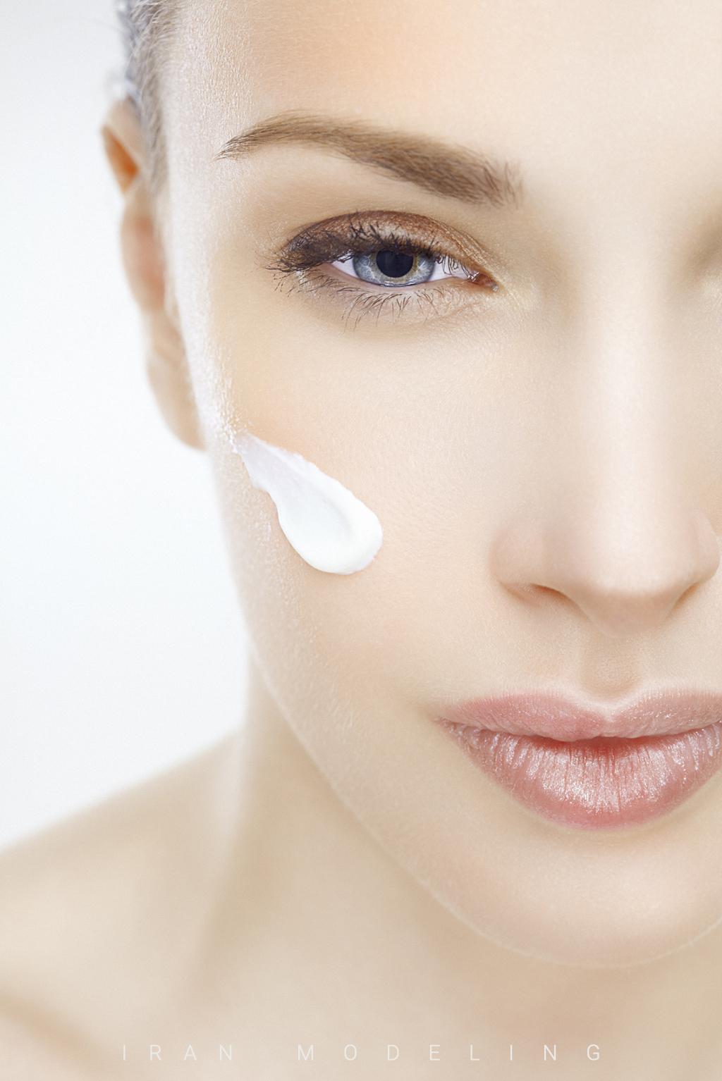 چرا رتینول ماده ضد پیری مورد نیاز پوست است