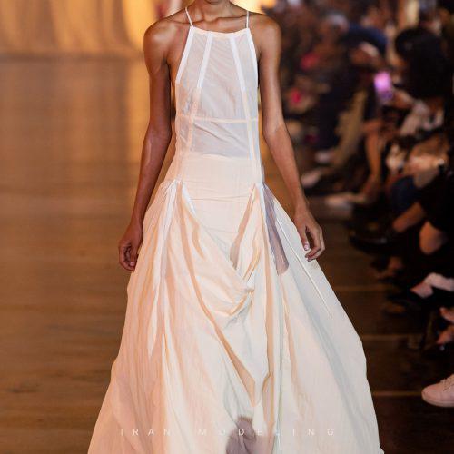 لباس سفید برای لباس عروسی های جایگزین برای عروس های نسل جدید