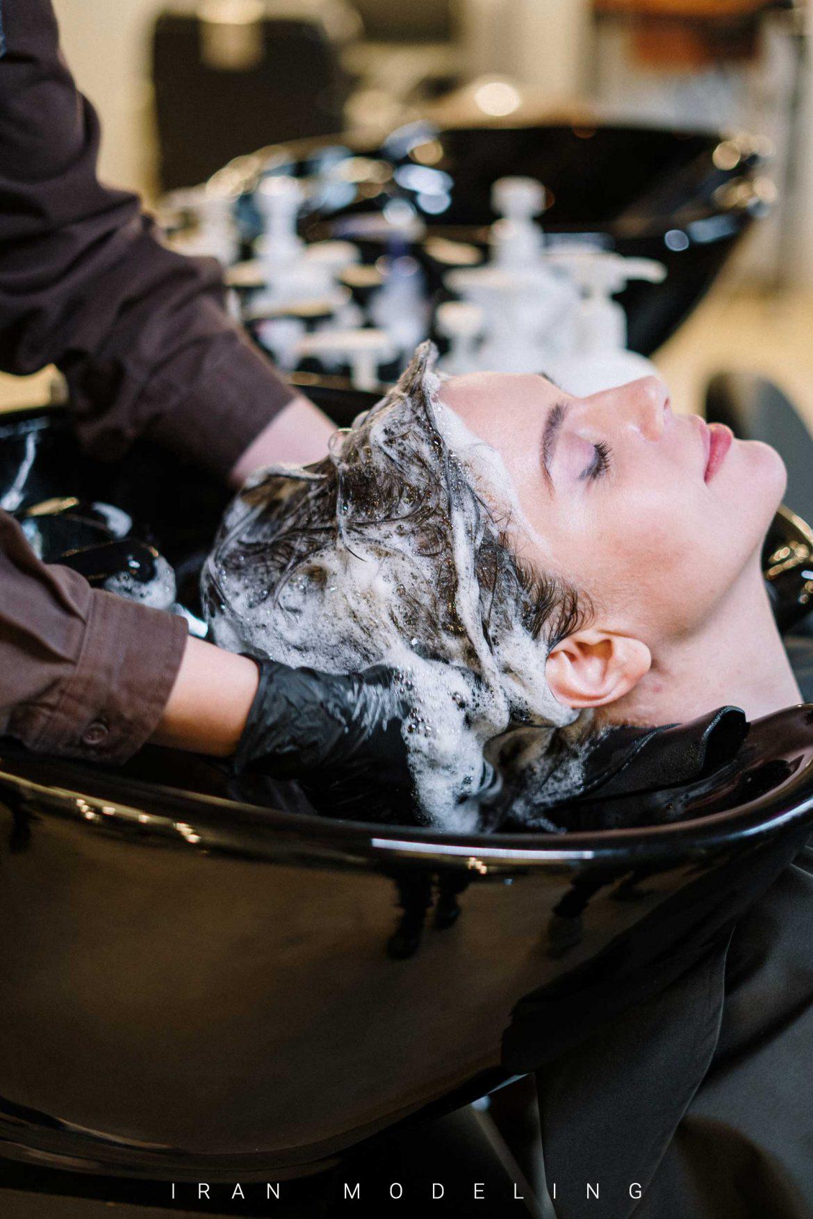 6 خطایی که هنگام شستن موها مرتکب می شوید و باعث ریزش مو می شود