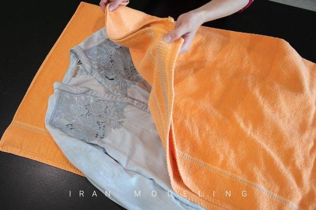 ۶ روش کاربردی برای صاف کردن لباس بدون استفاده از اتو