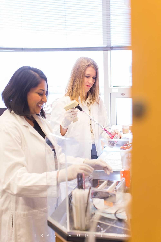 بولگاری از زنان دانشمندی که برای تولید واکسن COVID-19 در تلاشند حمایت می کند